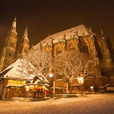 Schneefall in Mittelfranken - Sebaldus Kirche Nürnberg